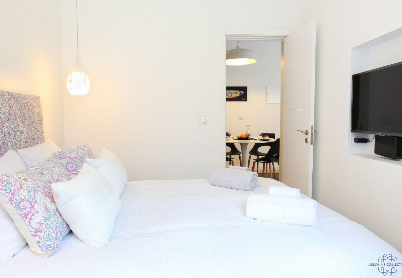 chambre double avec accès au reste de l'appartement