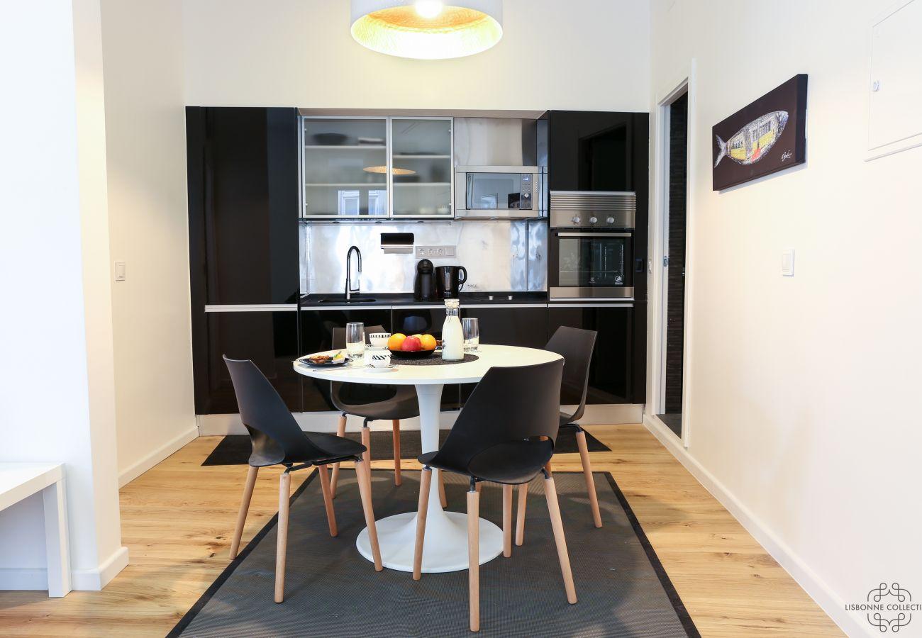 Maison haute gamme à Lisbonne avec un intérieur moderne
