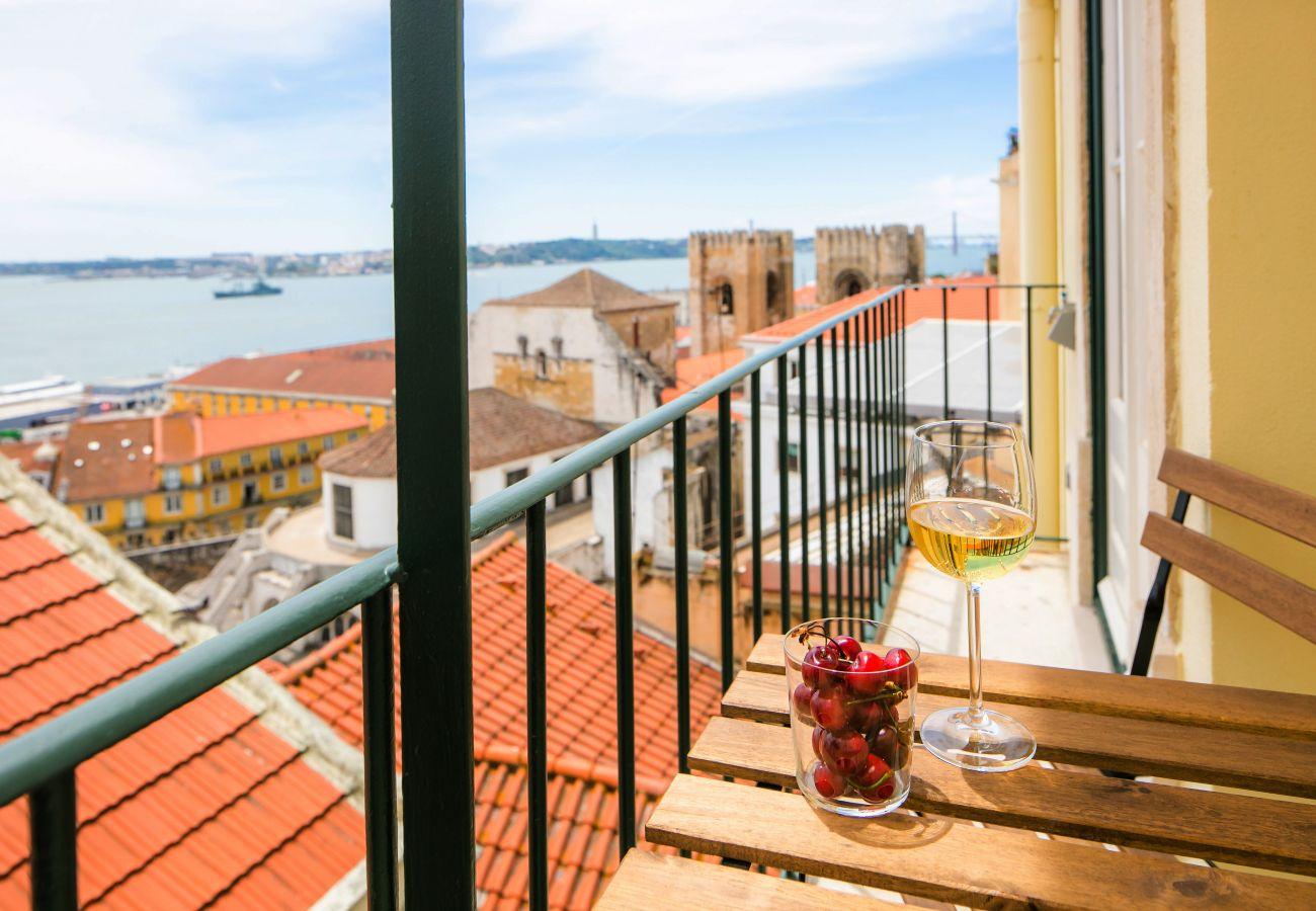 splendide vue sur la cathédrale de Sé sur le balcon de l'appartement de location