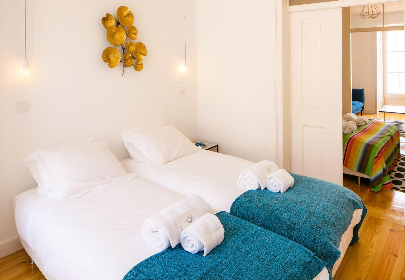 chambre avec 2 lits simple idéal entre amis ou en famille