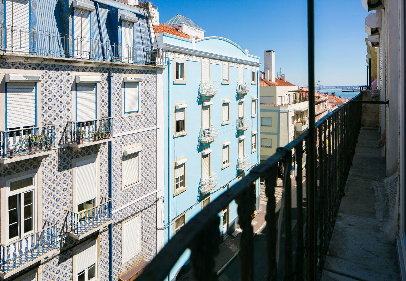 Vue du balcon de l'appartement de location dans le centre ville