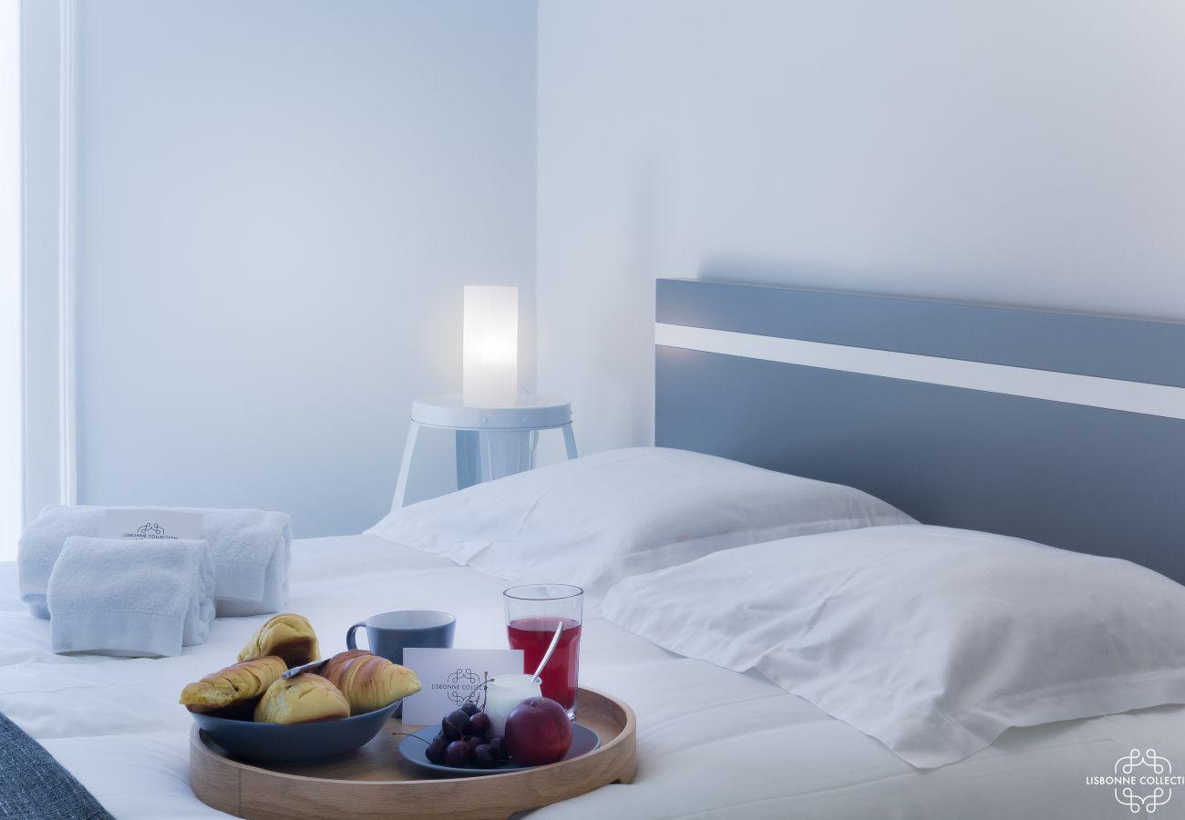 Chambre pour couple pour un petit déjeuner lumineux et spacieux