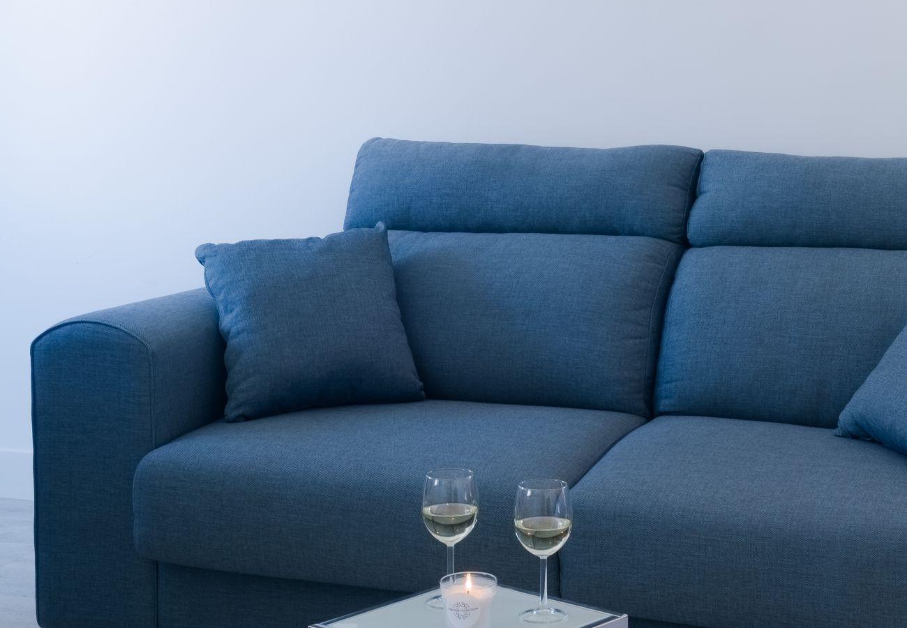 Canapé neuf design prestigieux contemporain cosy pour ce salon de standing