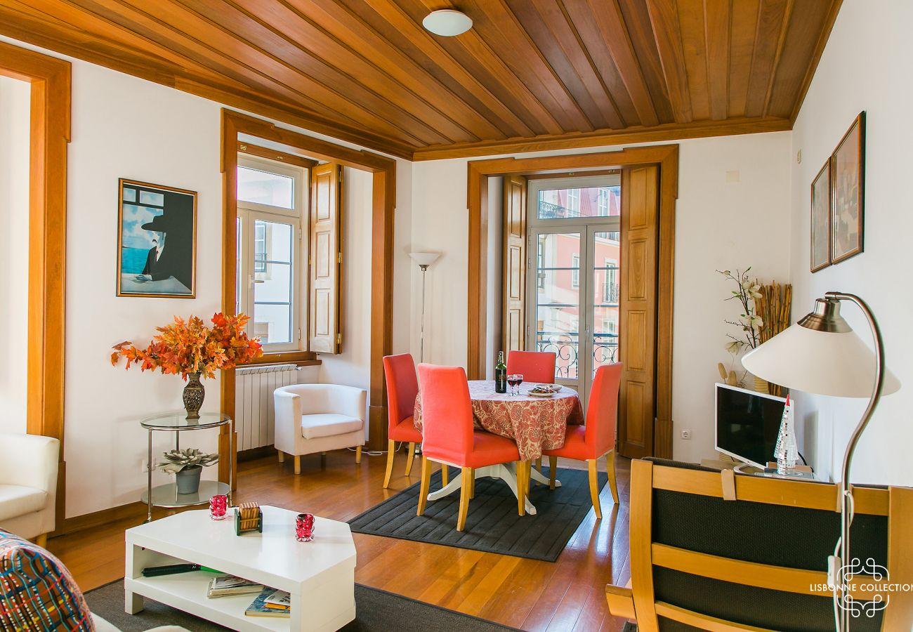 Séjour rustique dans un bel immeuble spacieux et agréable