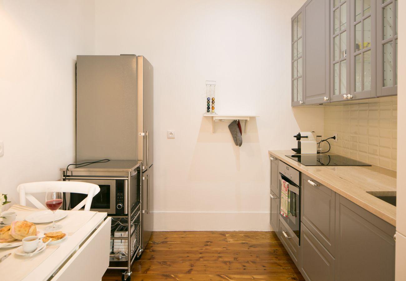 Cuisine tout équipée dans un appartement de location à Lisbonne