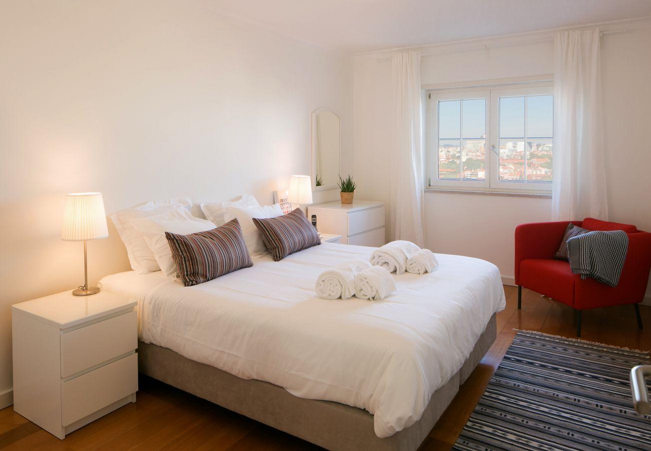 Chambre pour 2 adultes lumineuse et spacieuse à louer dans la capitale portugaise