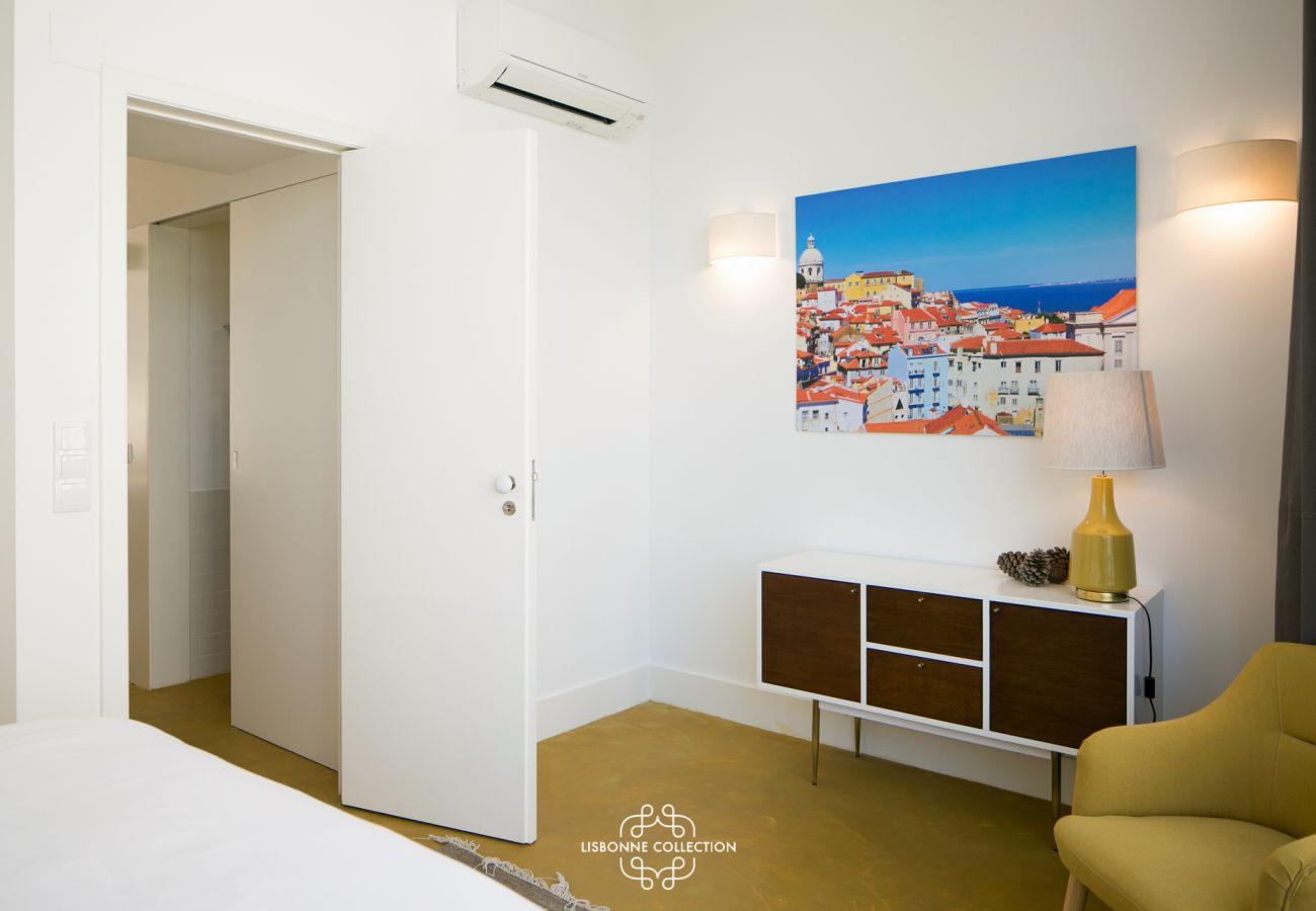 Décoration dans une chambre pour adulte en location dans la capitale Portugaise