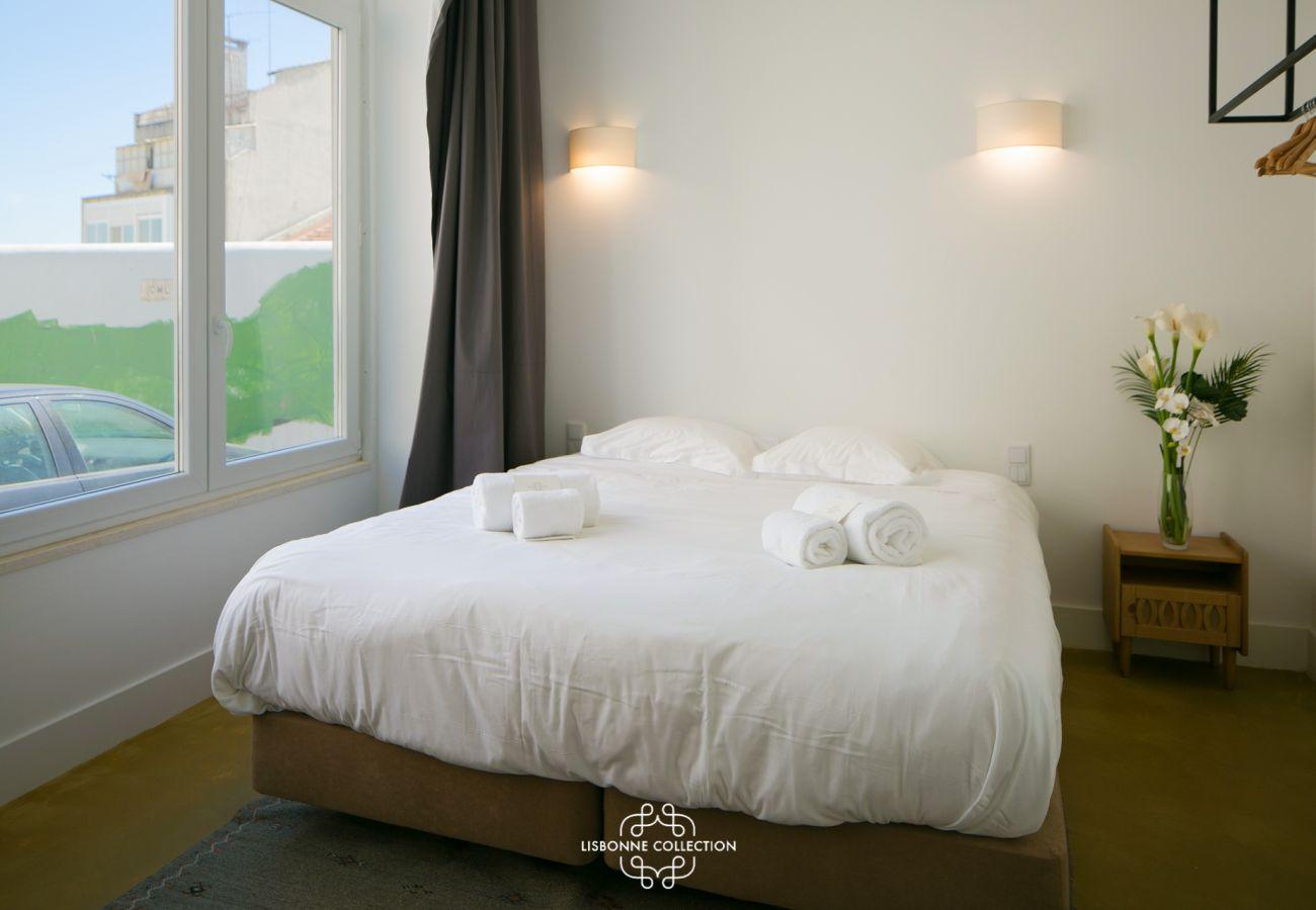Vaste chambre aménagée pour 2 adultes à louer pour des vacances à Lisbonne