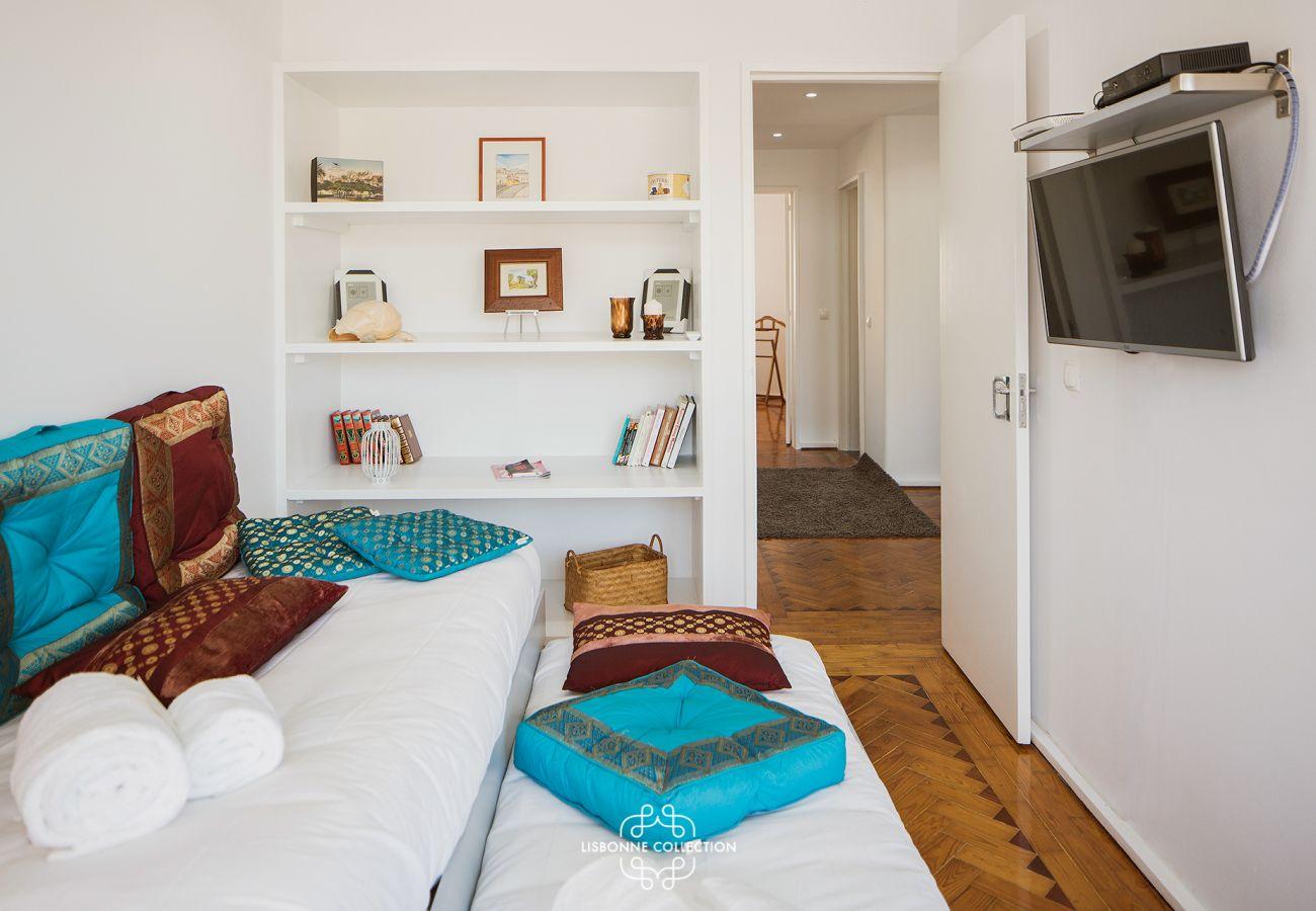 Salon chambre avec décoration moderne cosy et authentique