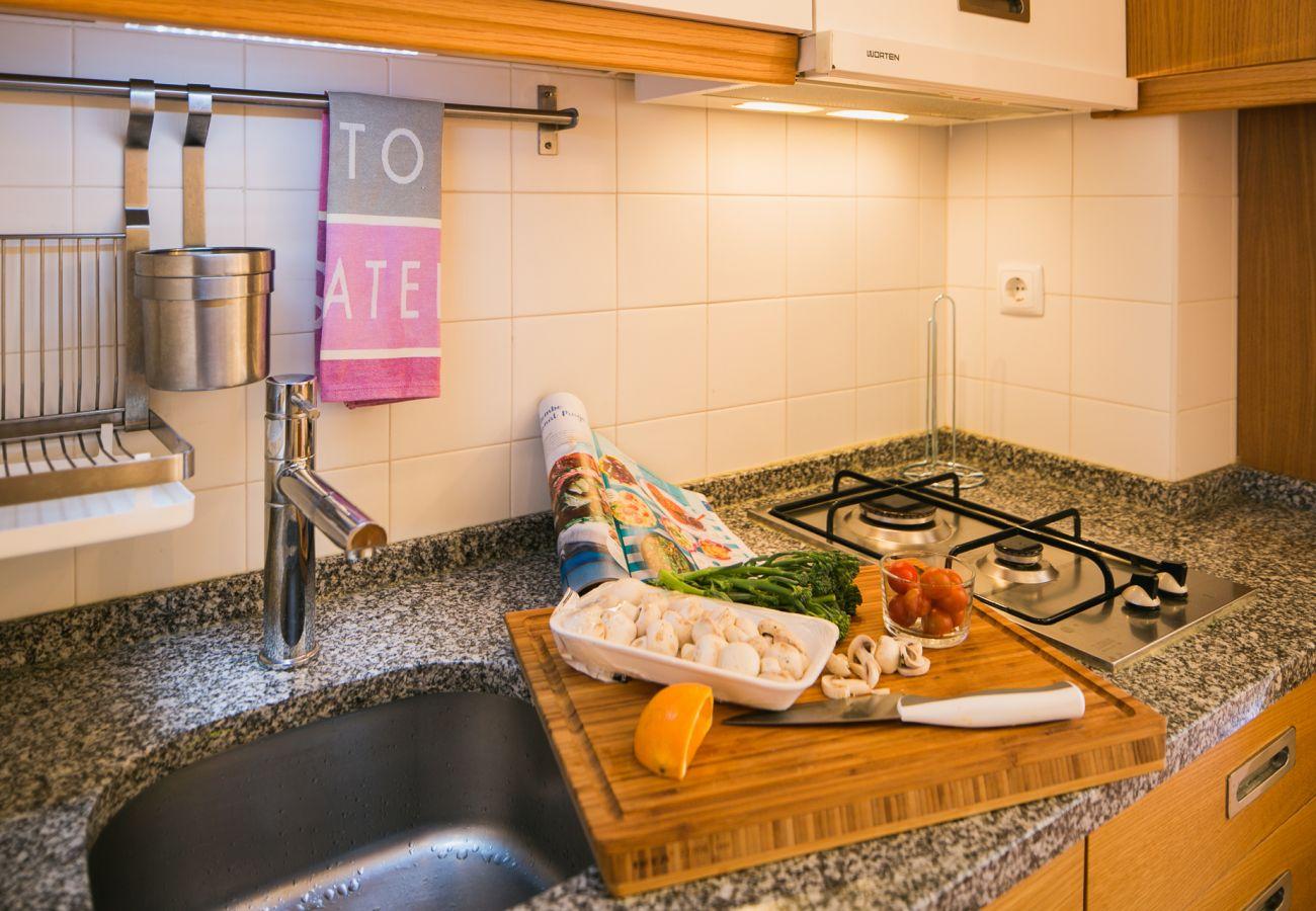 Cuisine avec plan de travail en marbre prestigieux haut de gamme