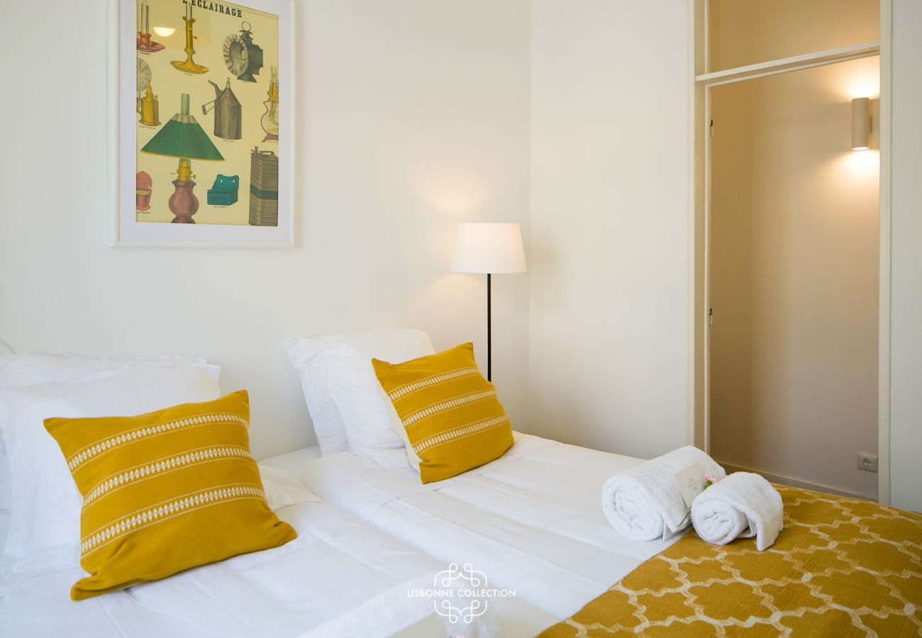 Chambre à coucher de prestige dans un appartement en location à Lisbonne