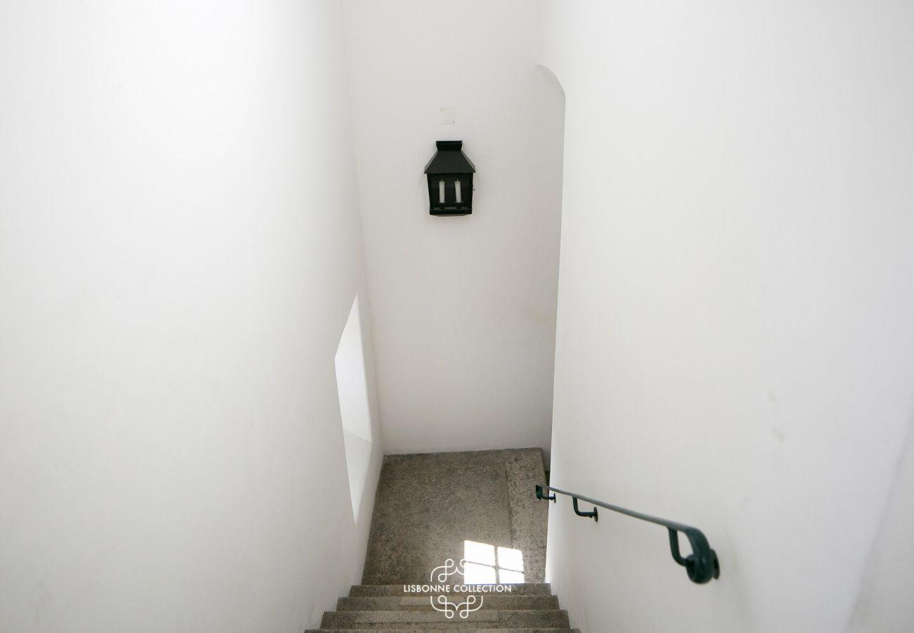 Entrée de l'immeuble où se situe l'appartement de location