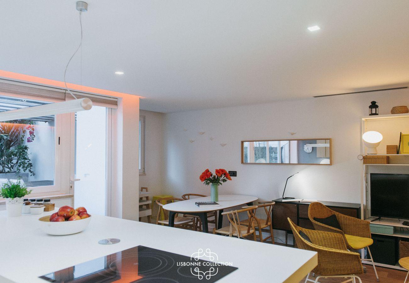 Salon salle à manger cuisine avec 3 chambres 3 salles d'eau à louer