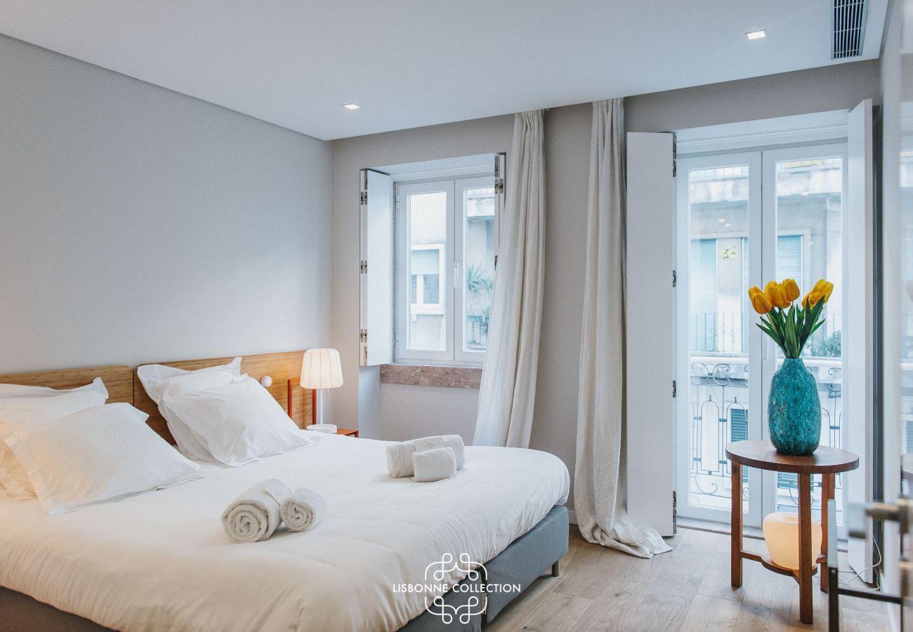 Appartement avec terrasse prestigieuse toute équipée et proche des commerces