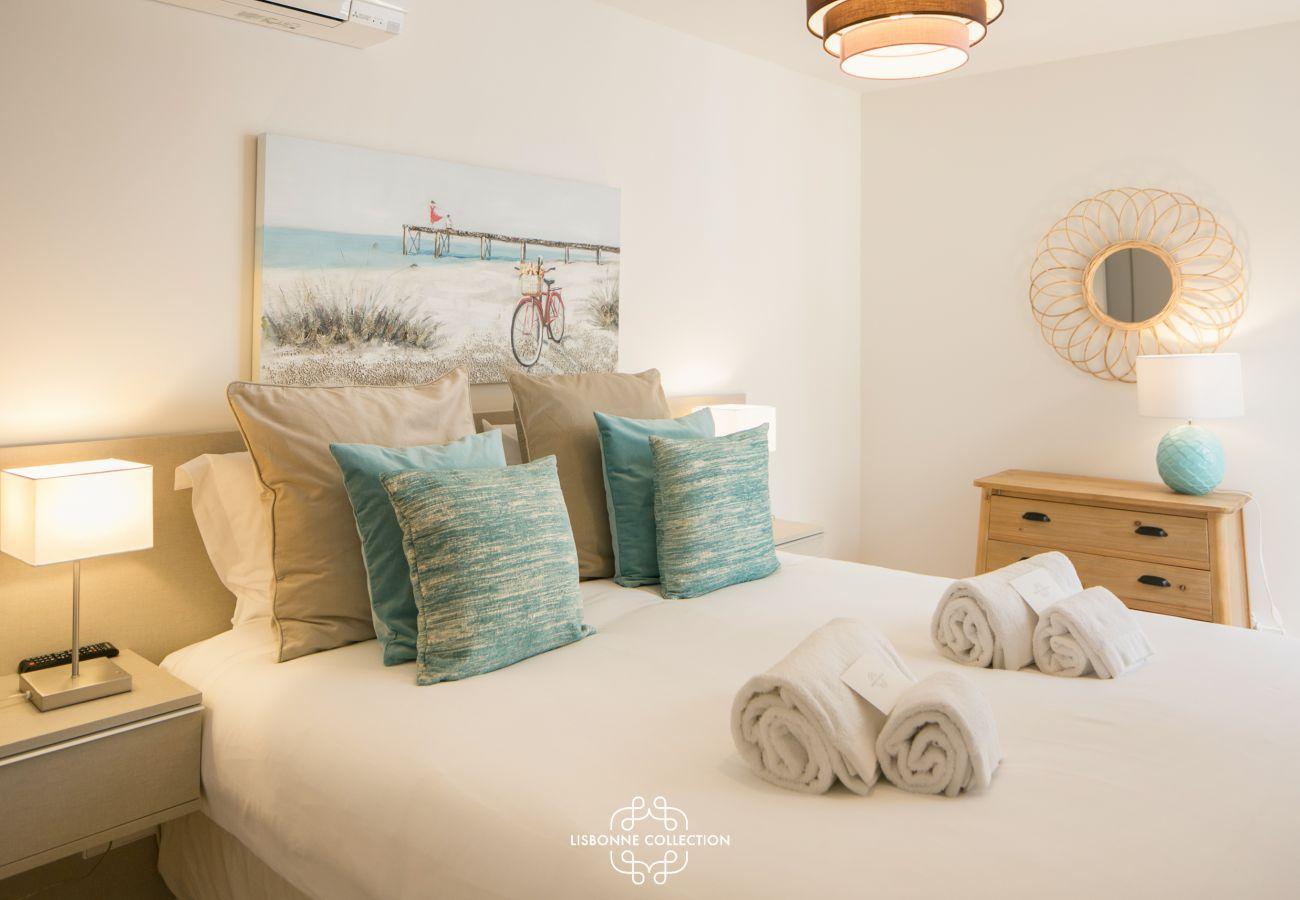 Grande chambre pour 2 personnes équipée d'un lit double