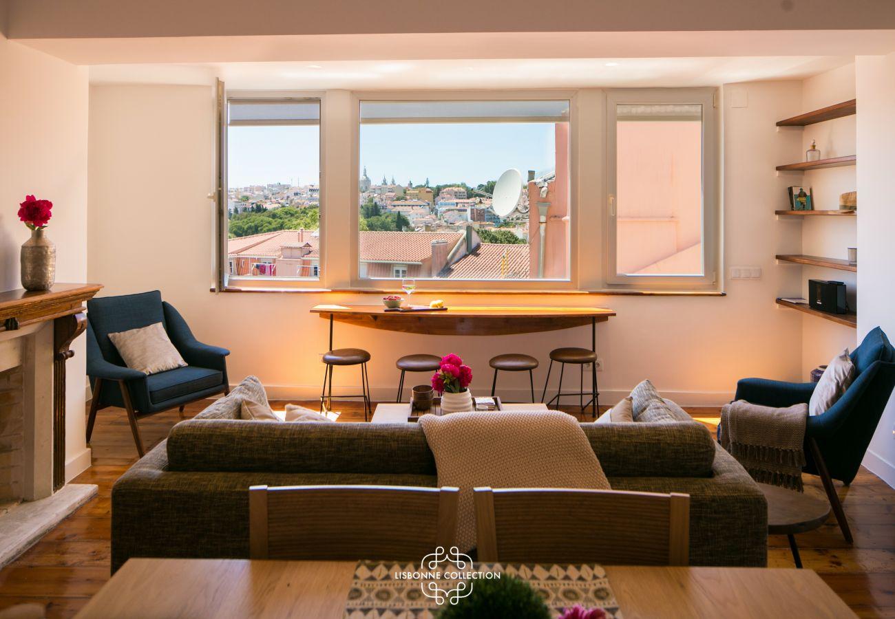 salon spacieux lumineux et chaleureux à louer