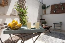Appartement à Lisbonne - One Bedroom with Terrace in Alfama...